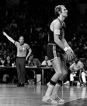里克巴里 独创NBA最著名的倒马桶式罚球