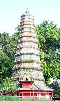 世界最华丽的琉璃塔 飞虹塔