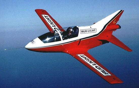 喷气式飞机的燃料像酒吗?