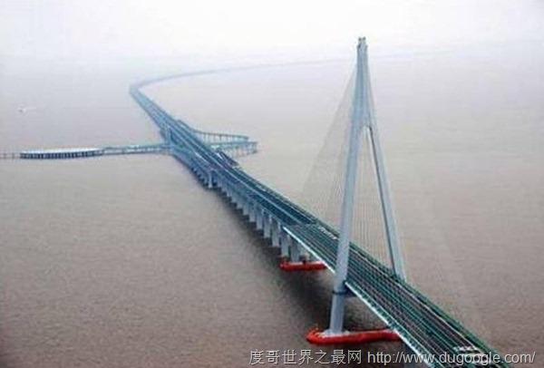 世界最长的跨海大桥,珠港澳大桥全长约50公里