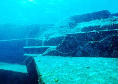 """日本的""""水下金字塔""""_度哥世界之最"""