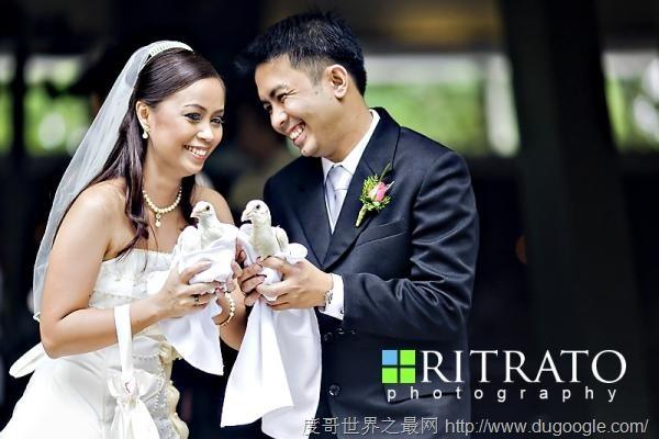 盘点世界各地奇葩的结婚习俗,父亲对着女儿吐口水庆祝
