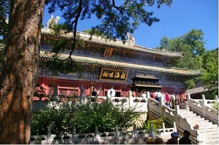 北京现存最早的佛寺 潭柘寺