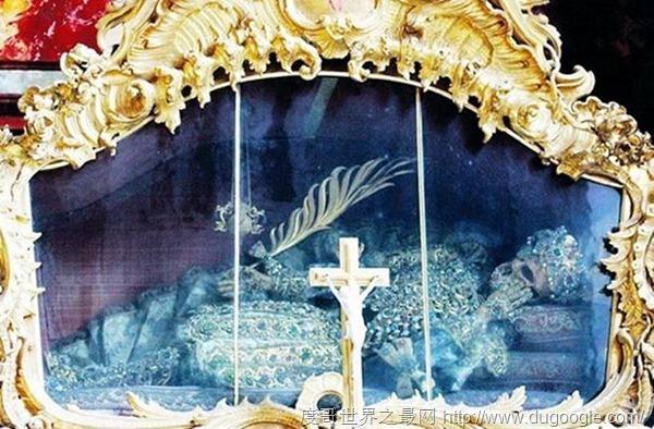 世界上最贵的遗骸 身上镶满稀有宝石