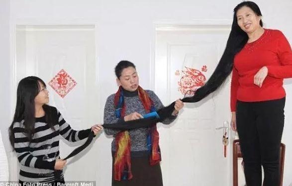 中国头发最长的女人 蓄髮14年髮长244公分