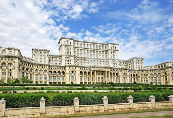 5. 罗马尼亚布加勒斯特国会大厦