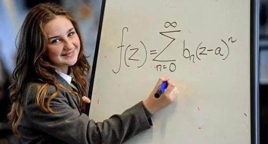 世界上最聪明的女人  英12岁天才女比爱因斯坦和霍金还聪明