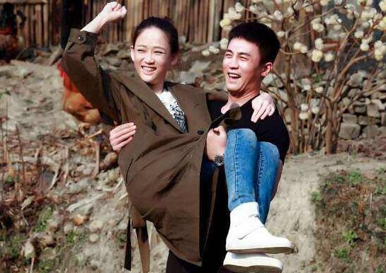 2010年,在杨千嬅撮合下,陈乔恩和古天乐相识相恋并一度视对方为结婚
