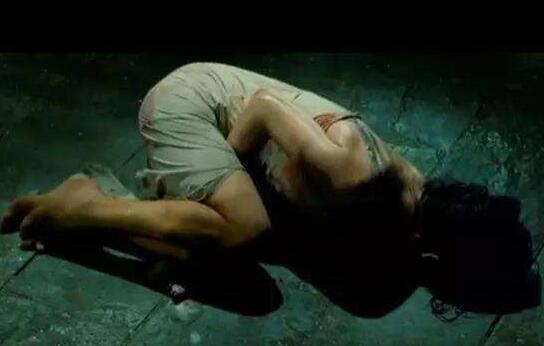 古代女子凌虐刑罚坐冰块,残忍冻伤下体半身不遂