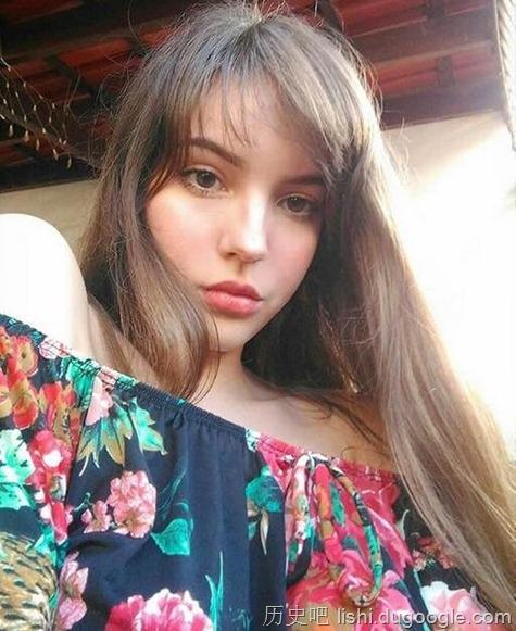 巴西正妹只有17岁却已经让网友暴动