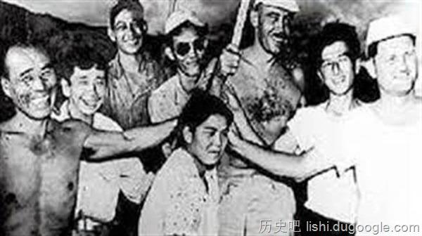 孤岛剩32男1女 为娶老婆众男展开大屠杀