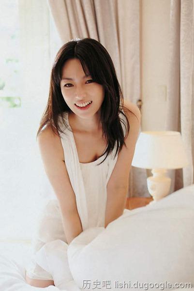 深田恭子30岁的比基尼写真解禁
