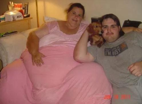 世界最胖女人318公斤