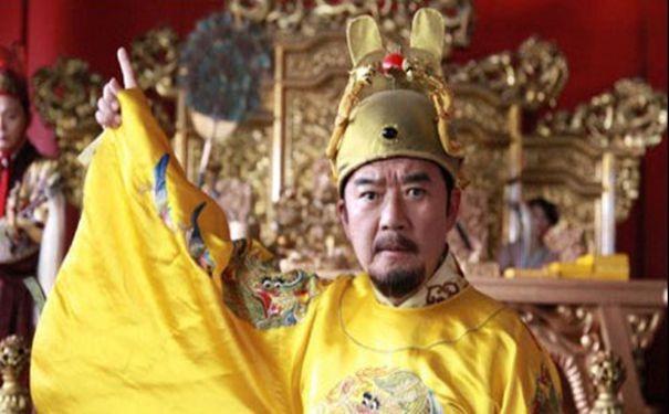 朱标   是马皇后生的儿子,朱元璋就把他定位皇位继承人.一是为了避